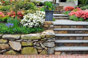 Stepenice u vrtu